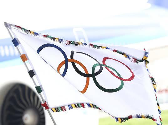 Символы страны на форме российских спортсменов на ОИ-2018 могут быть заклеены - Экономика и общество