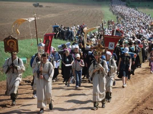 Турфирмам запретят заниматься паломническими турами. К святым местам отправят религиозные организации - Экономика и общество