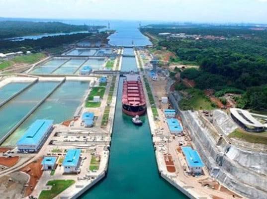 Новые ограничения по осадке судов в Панамском канале не позволяют транзит танкеров класса Aframax и Long Range 2
