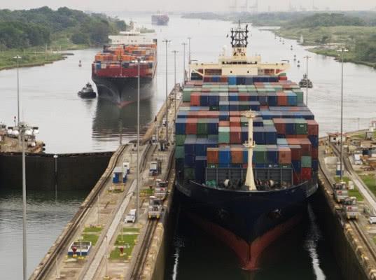 Панамский канал увеличит тарифы за проход судов с нового года