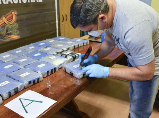 Контрабандные поставки наркотиков военными бортами могли осуществляться с 2012 года - Обзор прессы
