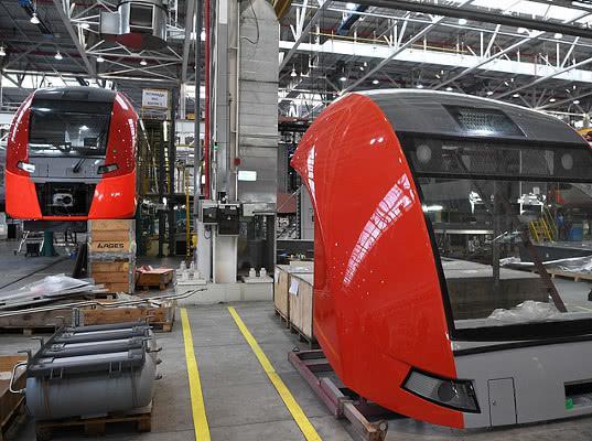 Уральские локомотивы работают над созданием двухэтажных Ласточек - Логистика