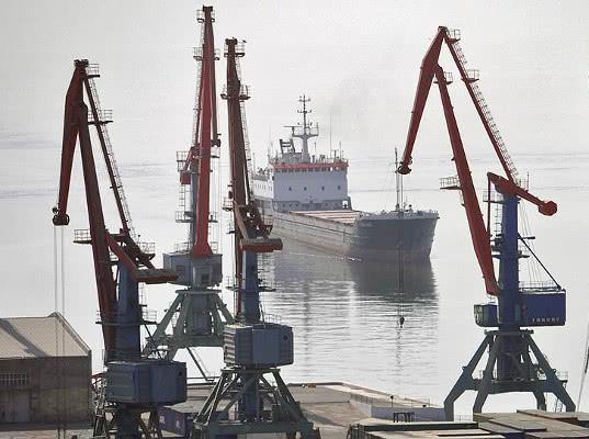 Порты Каспийского бассейна налаживают грузооборот