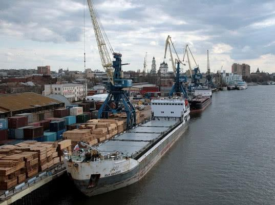Путин недоволен низким объемом транзита грузов через РФ в Каспийском регионе - Логистика