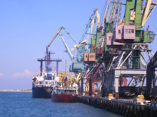 Правительство вводит новый портовый сбор по образцу «Платона»
