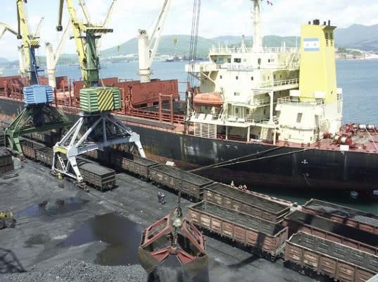 Погрузка экспортных грузов в порты в январе-июле выросла на 2% - Логистика