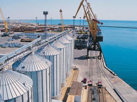 Терминал по перевалке зерна за 1,7 млрд рублей планируют построить в порту Феодосии
