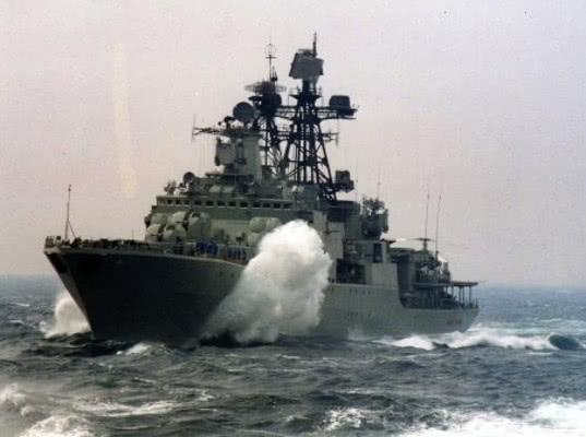 Эсминец США следовал от КНДР в Японское море под контролем ПЛК Адмирал Трибуц не ближе 100 км от территориальных вод РФ - Экономика и общество