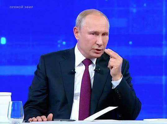 Прямая линия Путина:о падении доходов, проблеме мусора, Зеленском и деле Голунова