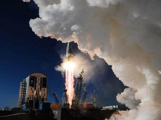 Пентагон запретит пользоваться услугами России при запусках спутников с 2023 года