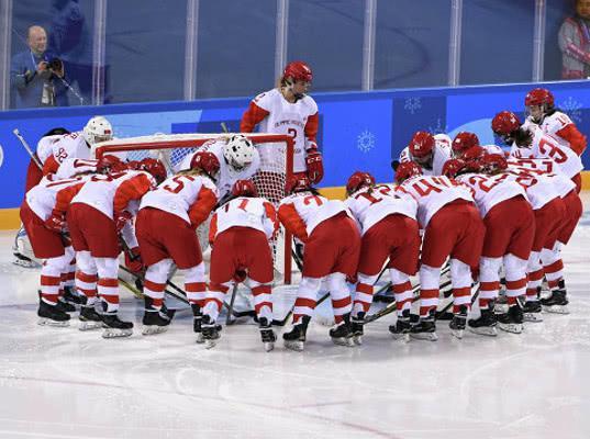 Российские хоккеистки в двух матчах на Олимпиаде пропустили 10 шайб и не забили ни одной - Экономика и общество