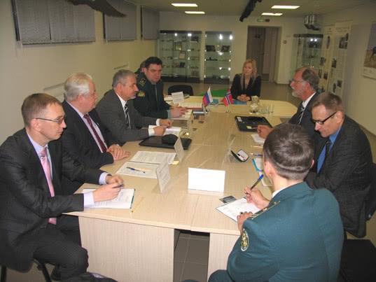 Российские и норвежские таможенники встретились в Никеле - Новости таможни
