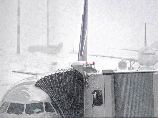 В аэропорту Шереметьево случился сбой обработки грузов - Обзор прессы