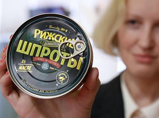 Поставки латвийских шпрот могут обрушить российский рынок