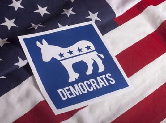 Демократическая партия США подала многомиллионный иск к России, штабу Трампа и WikiLeaks
