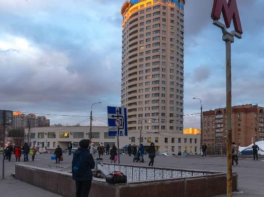 В Москве у станции метро «Новые Черемушки» в результате стрельбы погибли два человека