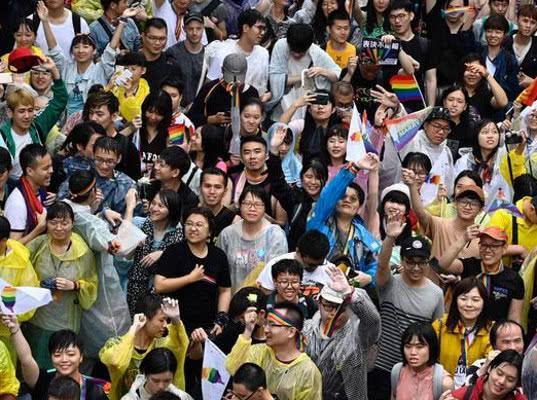Тайвань стал первой в Азии страной, узаконившей однополые браки - Экономика и общество