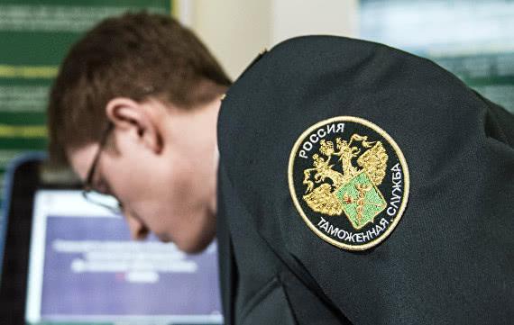 Таможенники могут начать проверять у иностранцев наличие полиса ОСАГО
