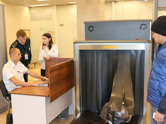В новом терминале аэропорта Красноярск проведен таможенный контроль первых международных авиарейсов - Новости таможни