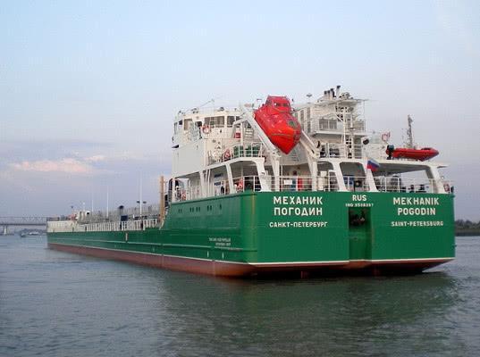 Украина заблокировала российский танкер Механик Погодин в Херсоне на три года