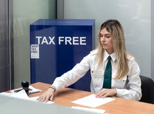 С момента запуска tax-free в Петербурге услугой пользуется один турист в сутки
