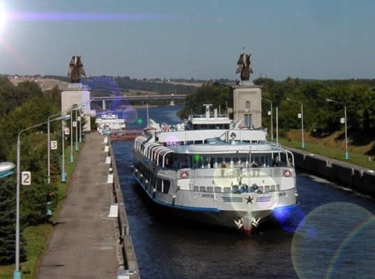 Перспективная протяженность шлюзованных водных путей на территории России может достигнуть 1 млн км