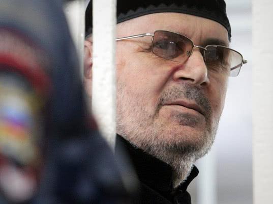 Глава чеченского Мемориала Титиев освобожден досрочно - Экономика и общество