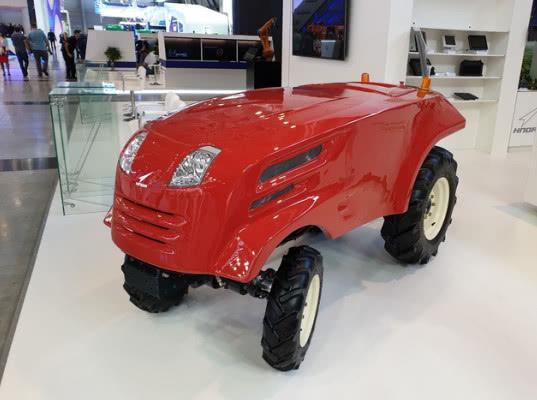 Роскосмос показал прототип беспилотного трактора - Логистика