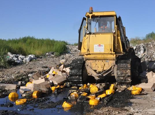 В Белгородской области уничтожено 20 тонн опасного сырного продукта, незаконно ввезенного в Россию