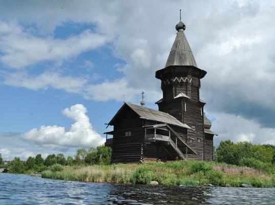Огонь полностью уничтожил Успенскую церковь XVIII века в Карелии - Экономика и общество