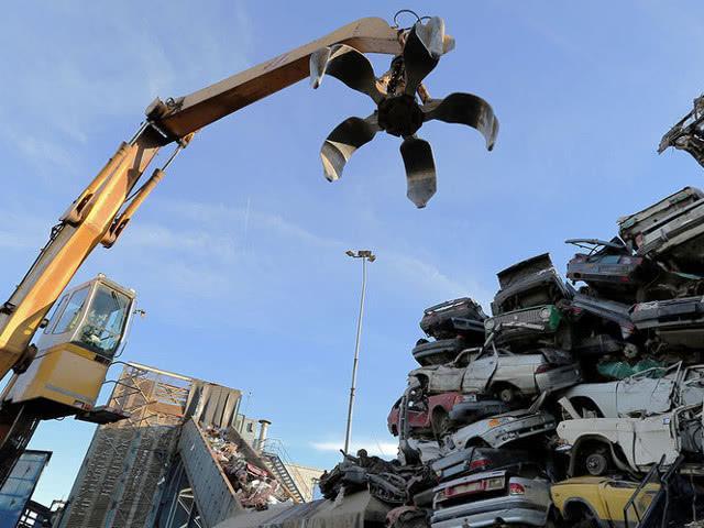 С 1 апреля вырастут ставки утилизационного сбора на автомобили