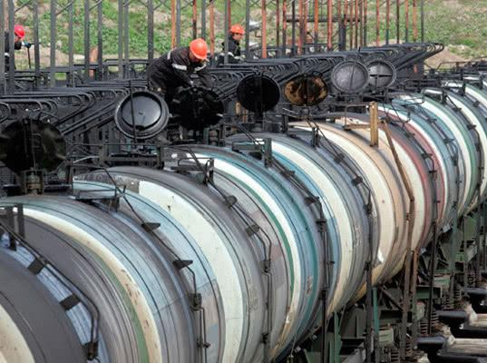 В российские порты перевезено лишь 300 тыс. т нефтепродуктов из Белоруссии, несмотря на скидки - Логистика