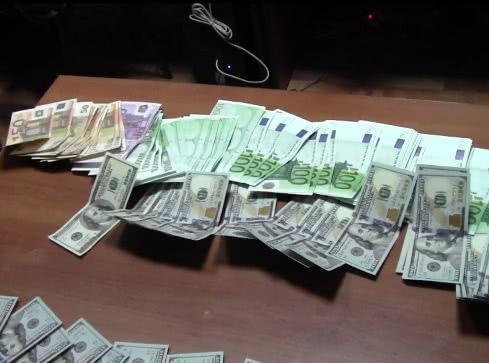 Ставропольскими таможенниками предотвращен незаконный провоз валюты