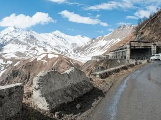 Проезд по Военно-Грузинской дороге разрешен для всех видов транспорта - Логистика