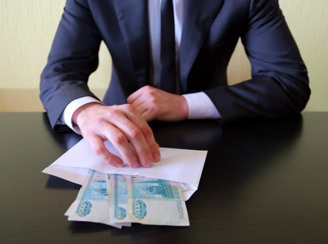 Работников Балтийской таможни обвиняют в коррупции  - Криминал
