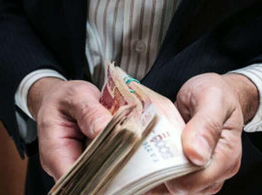 Сотрудники Алтайской таможни задержали  гражданина Республики Казахстан за дачу взятки - Криминал