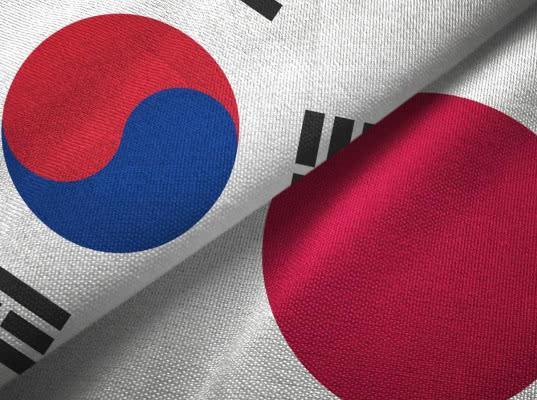 Япония увеличит торговые ограничения для Южной Кореи - Обзор прессы