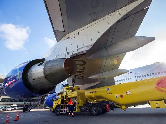 Российские авиакомпании попросили предупреждать их о повышении цен на керосин