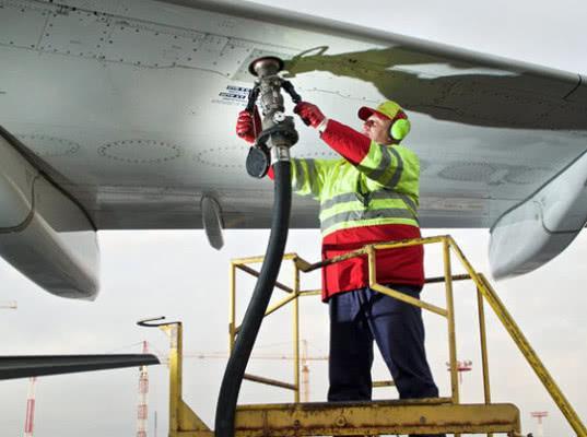 «Аэрофлот» объявил о новом повышении топливных сборов