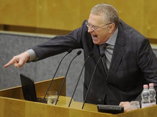 Жириновскому опротивело находиться с предателями русского народа, и он с криками покинул Думу - Экономика и общество