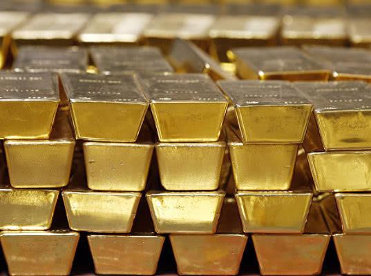 Страны выводят золотой запас из США: эксперты назвали причины - Экономика и общество