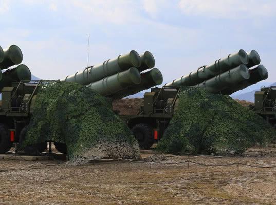 США уговаривают Индию не покупать С-400 и грозят ей санкциями