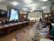 Госдума поговорила с блогерами. Усманов и Навальный не пришли - Экономика и общество - TKS.RU