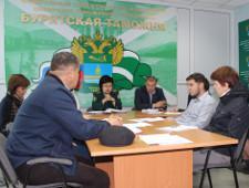 Бурятские таможенники встретились с представителями крупных торговых сетей Бурятии - Новости таможни - TKS.RU