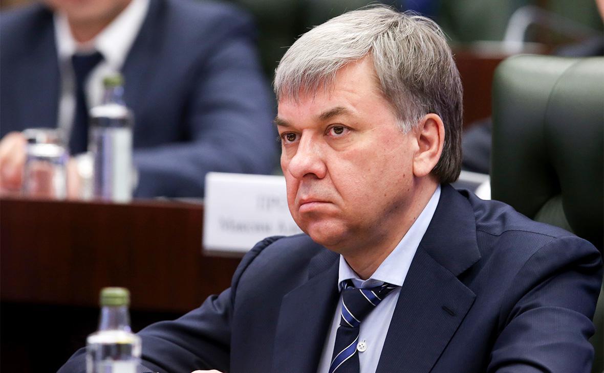 Медведев сменил главу Росалкогольрегулирования - Экономика и общество