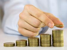 ФТС России перечислила в бюджет два триллиона рублей