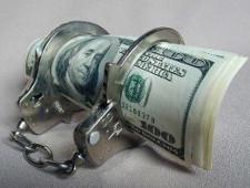 Два уголовных дела по фактам валютных махинаций - Кримимнал - TKS.RU