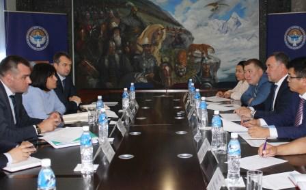 Применение информационных технологий для решения проблем мигрантов обсудили в Бишкеке