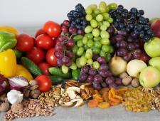 В сентябре более 800 килограммов овощей, фруктов и орехов не пересекли границу в воздушном пункте пропуска «Пулково» - Кримимнал - TKS.RU