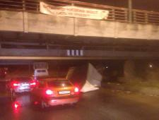 В Санкт-Петербурге на Софийской под мостом снова не прошла «ГАЗель» - Логистика - TKS.RU